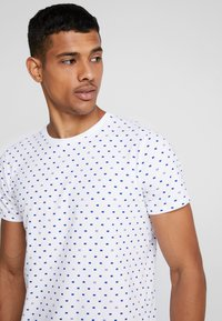 Scotch & Soda - FROM JUMPER AS TEE - T-shirt print - white - 3