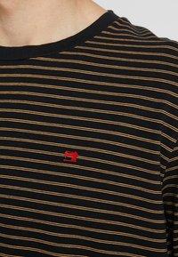 Scotch & Soda - CLASSIC CREWNECK TEE - T-shirt con stampa - black - 5
