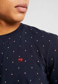 Scotch & Soda - CLASSIC CREWNECK TEE - T-Shirt print - dark blue - 4