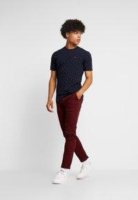 Scotch & Soda - CLASSIC CREWNECK TEE - T-Shirt print - dark blue - 1
