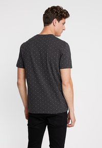 Scotch & Soda - CLASSIC CREWNECK TEE - Print T-shirt - black - 2