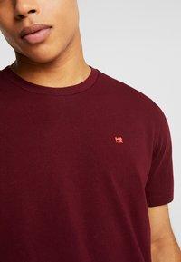 Scotch & Soda - CREWNECK TEE - Basic T-shirt - bordeaux - 4