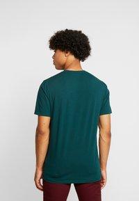Scotch & Soda - CREWNECK TEE - T-Shirt basic - bottle green - 2