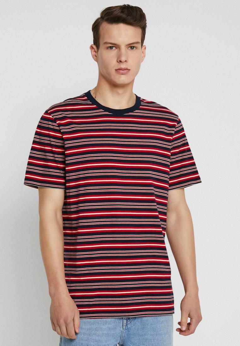 Scotch & Soda - CLASSIC CREWNECK TEE - Print T-shirt - red