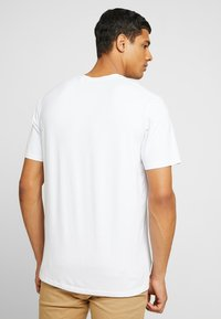 Scotch & Soda - CREW NECK TEE - T-shirt basic - white - 2