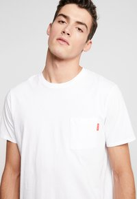 Scotch & Soda - CLASSIC POCKET TEE - T-shirt basic - white - 5