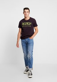 Scotch & Soda - CREW NECK LOGO TEE - Printtipaita - le mauve - 1