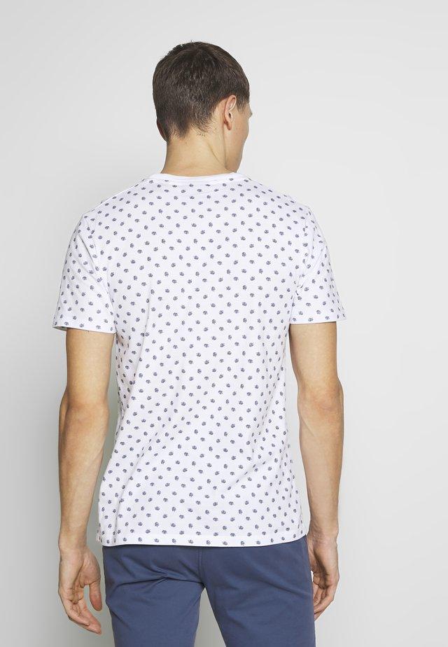CLASSIC CREWNECK TEE - Print T-shirt - comboo