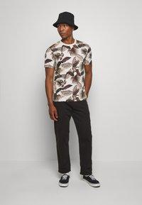 Scotch & Soda - CLASSIC CREWNECK TEE - T-shirt print - combo - 1