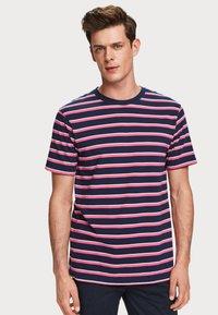 Scotch & Soda - CLASSIC  - T-shirt print - pink - 0