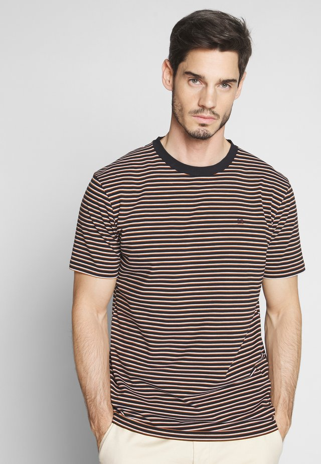 T-shirt print - combo