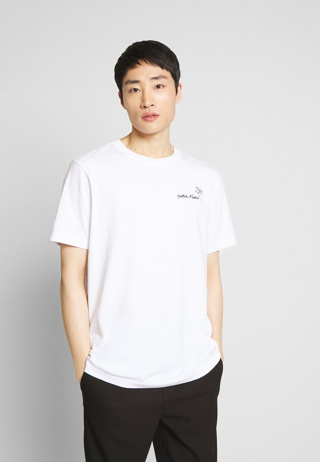 SUMMER ARTWORK TEE WITH CHEST EMBROIDERY - Print T-shirt - off white