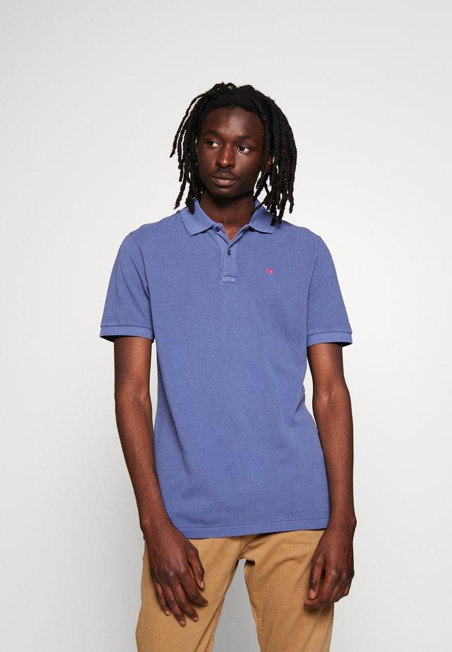 CLASSIC GARMENT DYED  - Polo shirt - azul mediterraneo