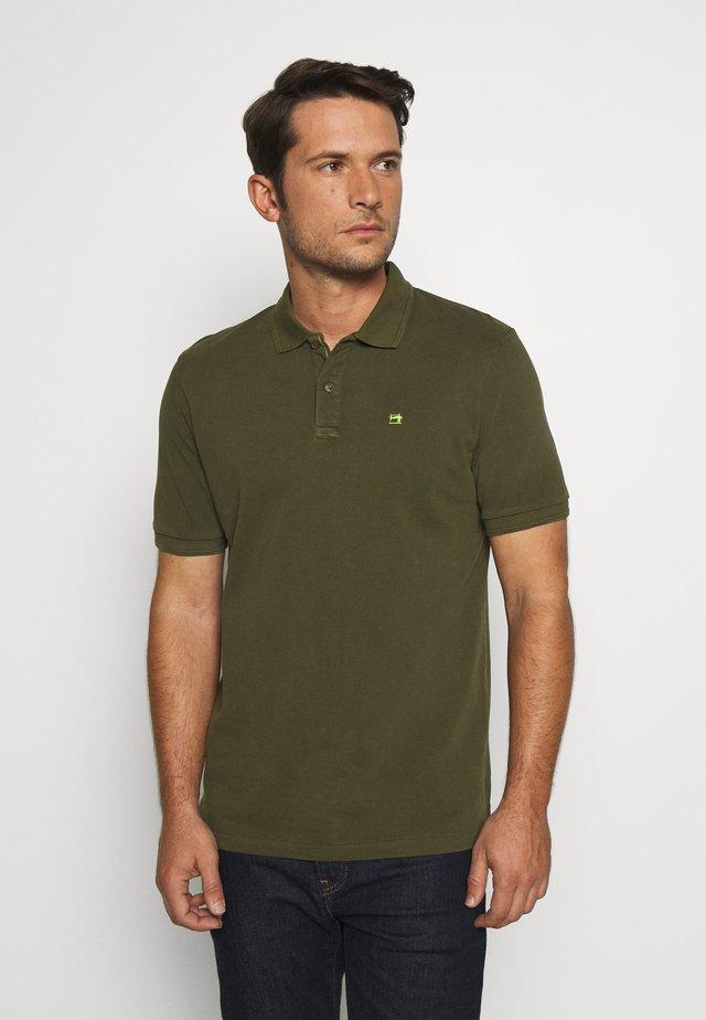 CLASSIC GARMENT DYED  - Poloshirt - army