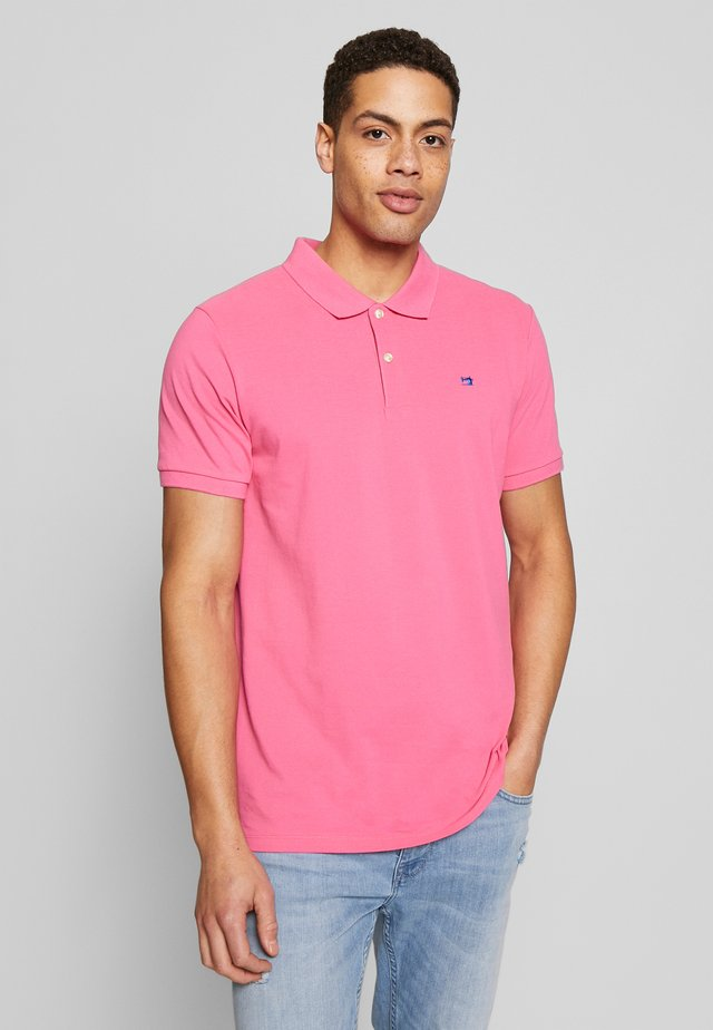 CLASSIC - Polo - punch