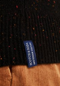 Scotch & Soda - CLASSIC CREWNECK PULL WITH NEPS - Neule - black - 5