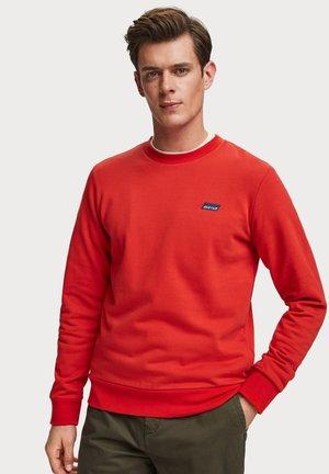 Sweater - fiesta red