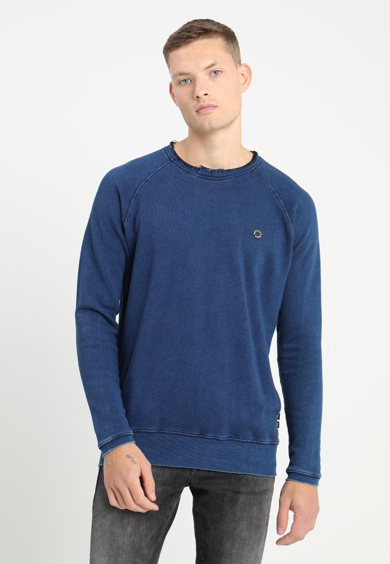 Scotch & Soda - BLAUW LONG SLEEVE CUT OFF DETAILS - Sudadera - indigo