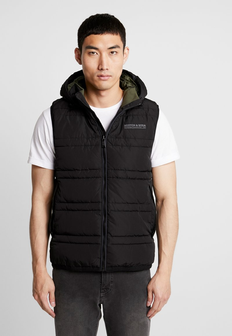 Scotch & Soda - CLASSIC HOODED QUILTED BODYWARMER - Chaleco - black