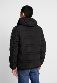 Scotch & Soda - CLASSIC HOODED PRIMALOFT JACKET - Vinterjacka - black - 2
