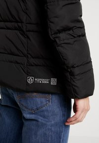 Scotch & Soda - CLASSIC HOODED PRIMALOFT JACKET - Vinterjacka - black - 6