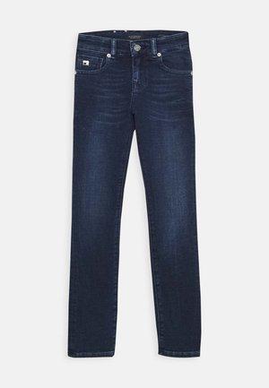 STRUMMER - Jeans Skinny Fit - illusion