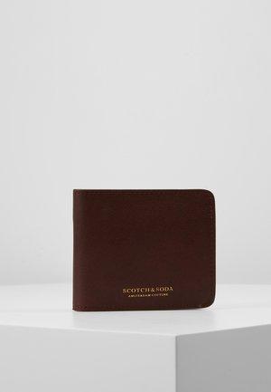 CLASSIC BILLFOLD WALLET - Peněženka - brown
