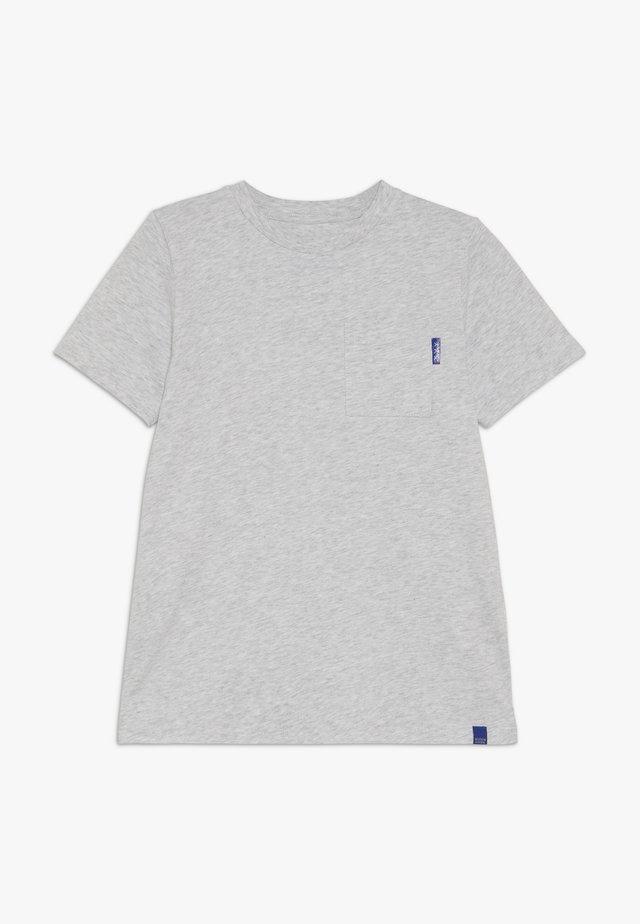 CLASSIC POCKET TEE - T-shirt - bas - grey melange