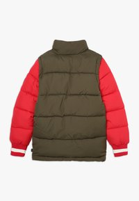 Scotch & Soda - COLOUR BLOCK JACKET WITH DETACHABLE SLEEVES - Winterjas - green/red - 1