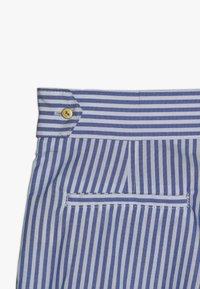 Scotch & Soda - WITH RUFFLE - Shorts - blue/white - 4