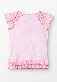 Scotch & Soda - MIXED TEE WITH PLEATED HEM - T-shirts med print - flamingo melange - 1