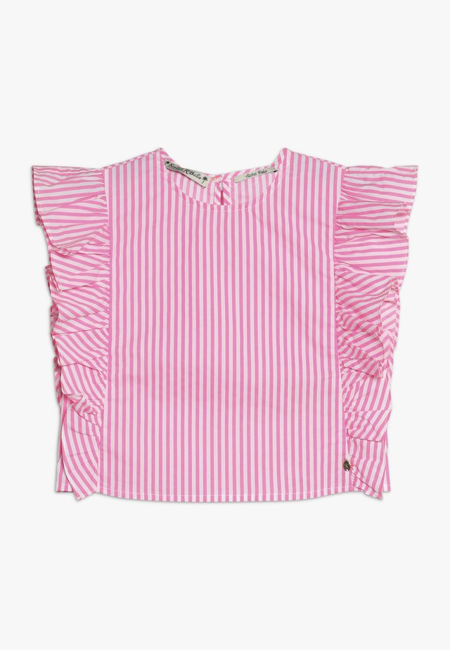 CRISPY BOXY FIT WITH RUFFLES - Blusa - pink/white
