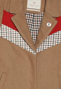 Scotch & Soda - TAILORED JACKET IN BONDED QUALITY WITH COLOUR - Classic coat - camel - 3