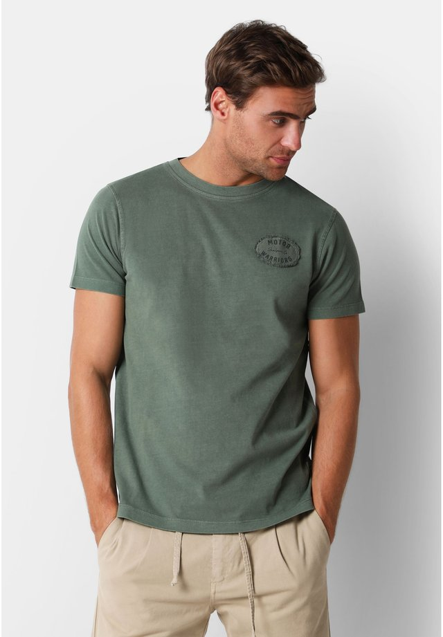 WITH EMBROIDERY ON THE CHEST - T-shirt basique - khaki