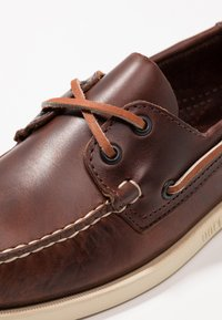Sebago - DOCKSIDES PORTLAND  - Chaussures bateau - brown - 5