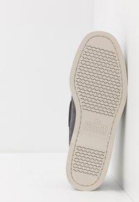 Sebago - DOCKSIDES PORTLAND - Chaussures bateau - dark grey - 4