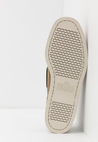 Sebago - DOCKSIDES PORTLAND - Chaussures bateau - green military - 4
