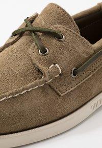 Sebago - DOCKSIDES PORTLAND - Chaussures bateau - green military - 5