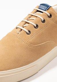 Sebago - JOHN - Baskets basses - beige camel - 5
