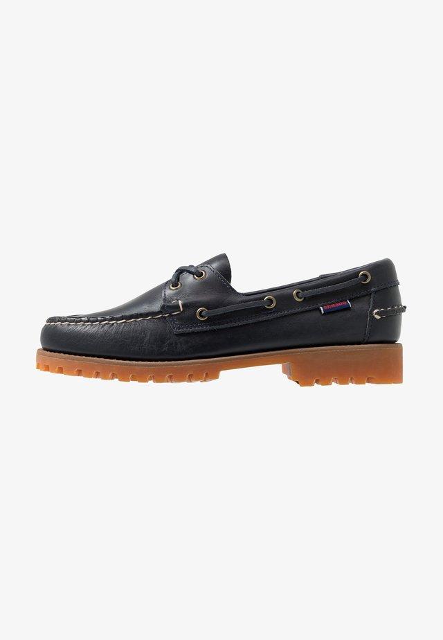 PORTLAND LUG WAXY - Boat shoes - navy