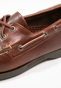 Sebago - DOCKSIDES PORTLAND WAXED - Boat shoes - brown - 5