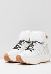 See by Chloé - Sneakersy wysokie - white - 4