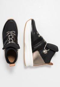 See by Chloé - Sneakersy wysokie - black - 3