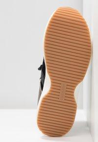 See by Chloé - Sneakersy wysokie - black - 6