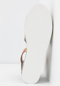 See by Chloé - EXCLUSIVE  - Espadrilky - natural/nero - 6