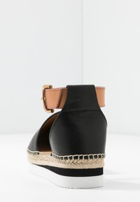 See by Chloé - EXCLUSIVE  - Espadrilky - natural/nero - 5