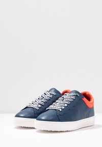 See by Chloé - EXCLUSIVE - Tenisky - royal - 4