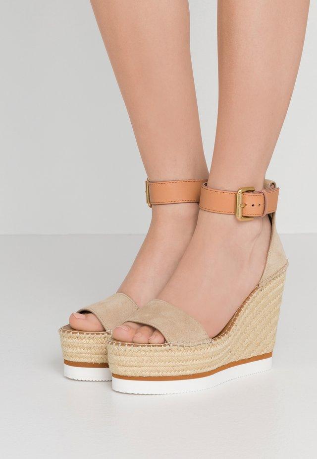 Sandalen met hoge hak - beige