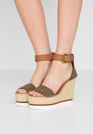 High heeled sandals - alghe