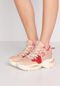 See by Chloé - Trainers - light pink - 0